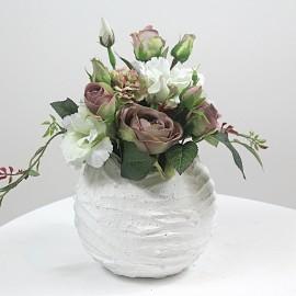 Dirbtinių gėlių kompozicija...