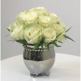 Rožių puokštė vazonėlyje